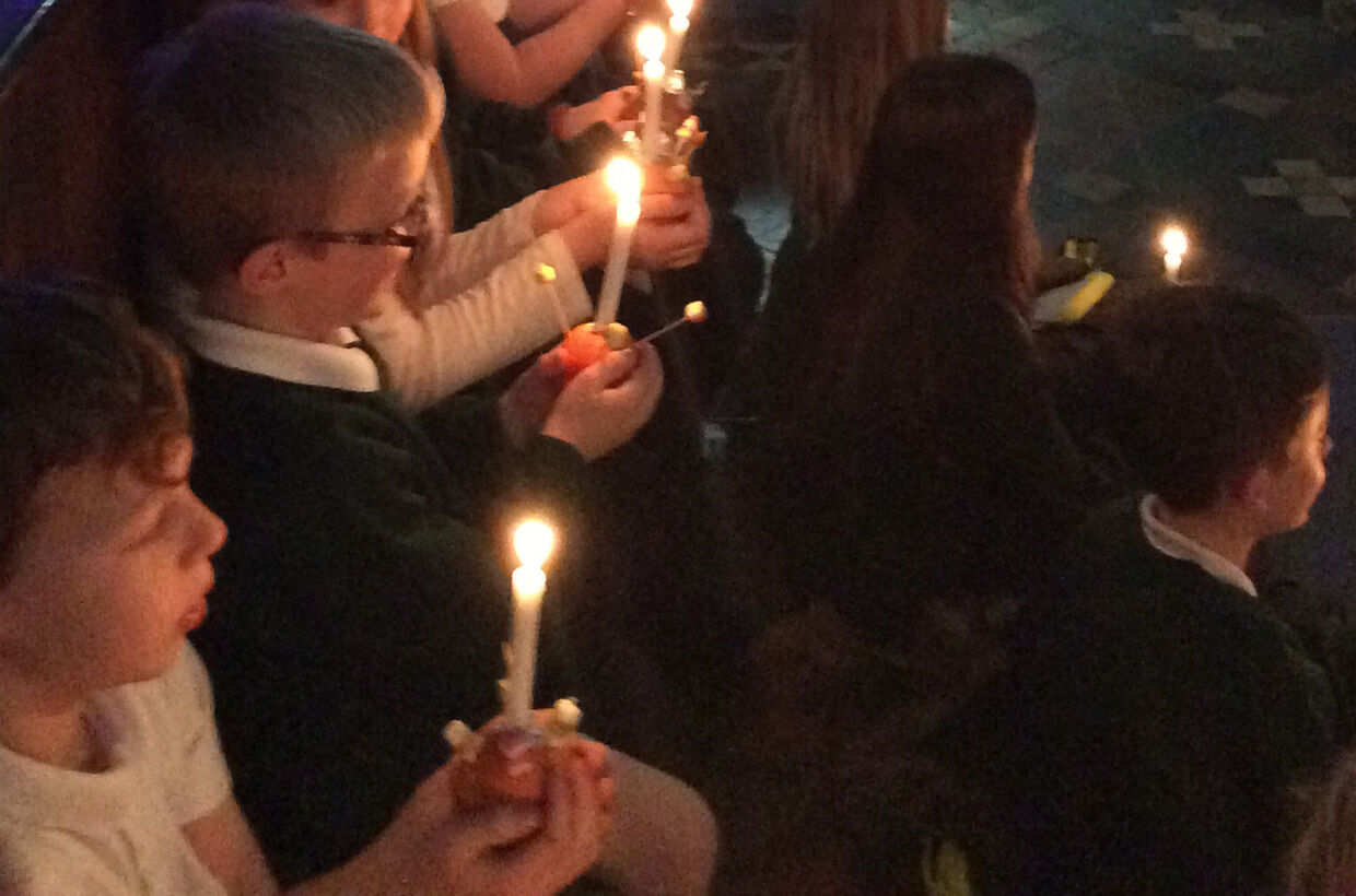 Christingle Service at St Andrew's Church